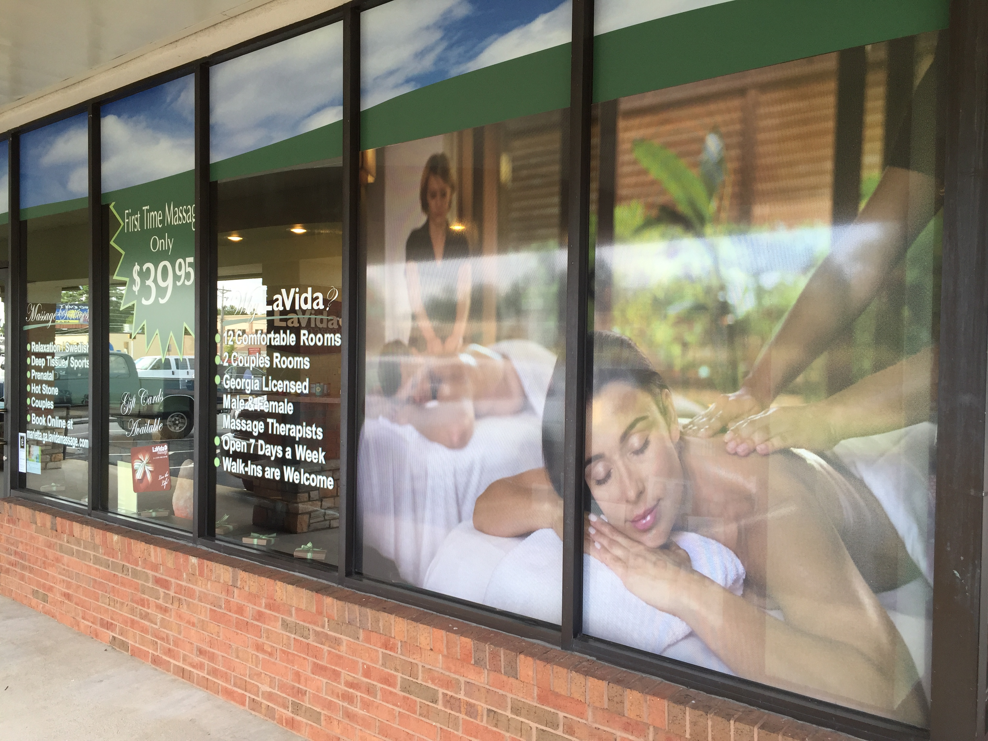 Massage window lettering